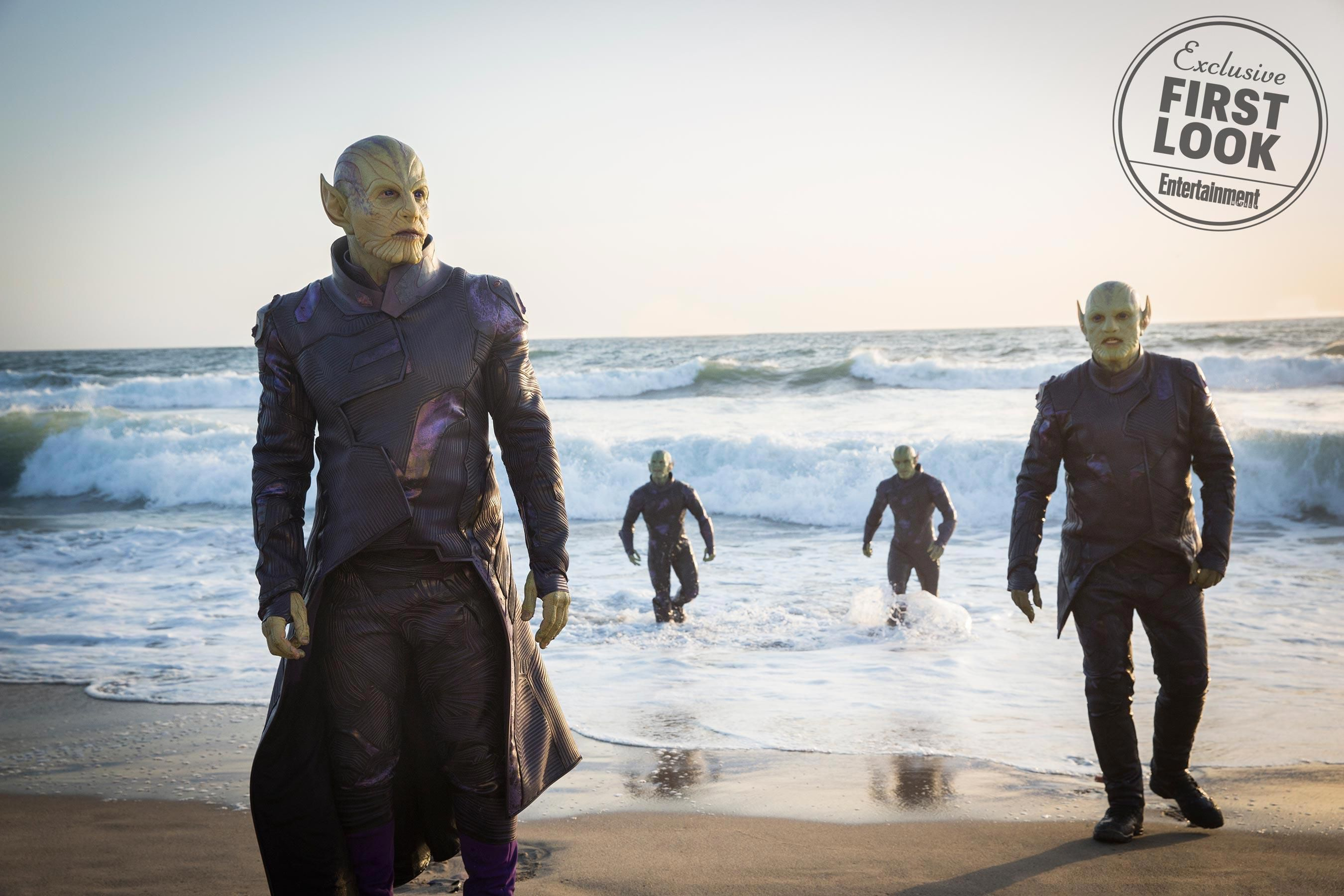 Skrulls on beach